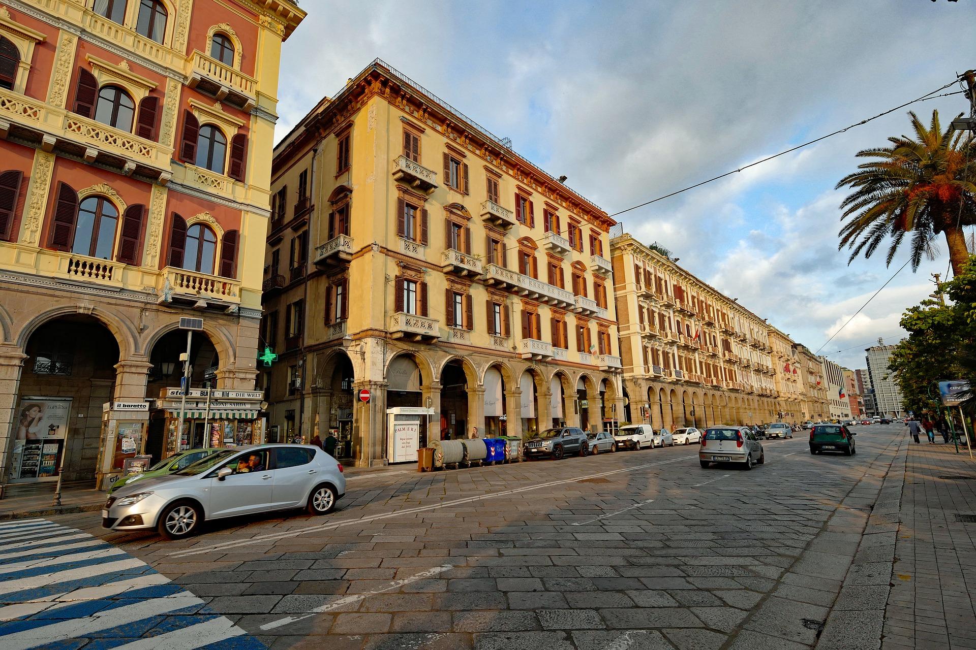 Prächtiger Boulevard in Cagliari