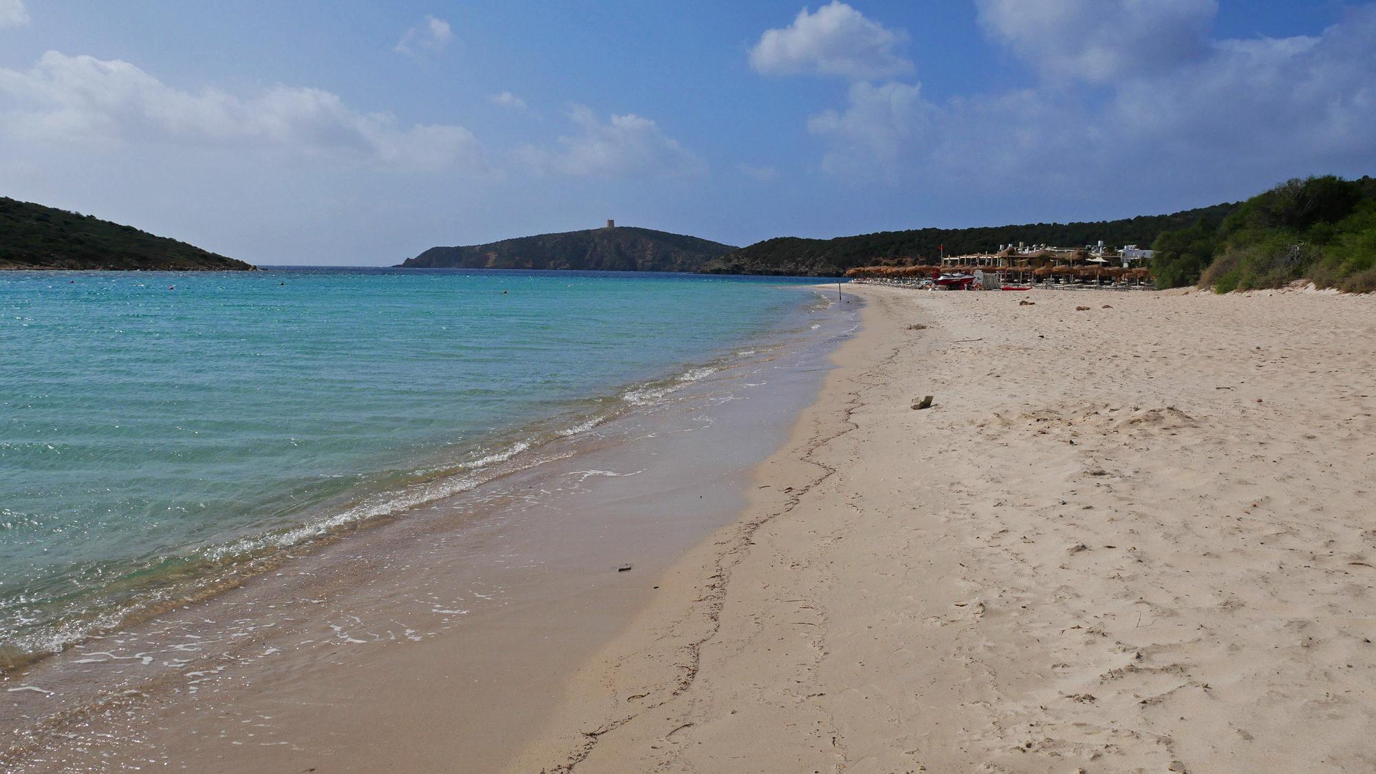 Strand von Tuerredda mit Strandbar