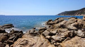 An der Felsnase der Cala Pira