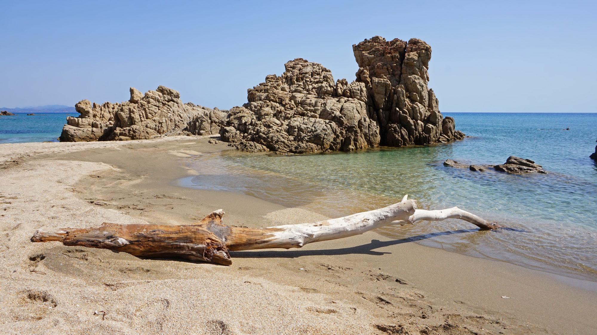 Felsformation am Spiaggia di Portu de S'Illixi