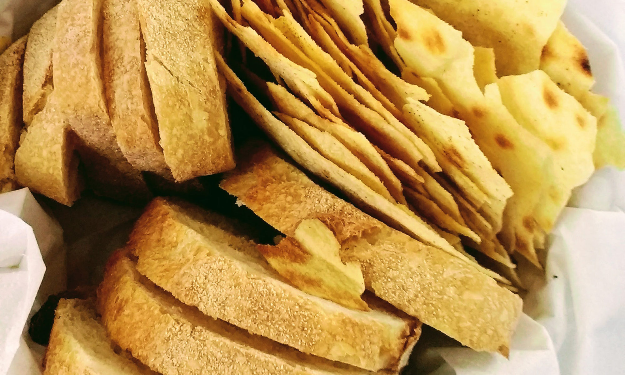 Verschiedene Brotsorten werden gereicht