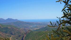Im Hinterland von Ogliastra auf Sardinien mit herrlichem Blick in Richtung Küste