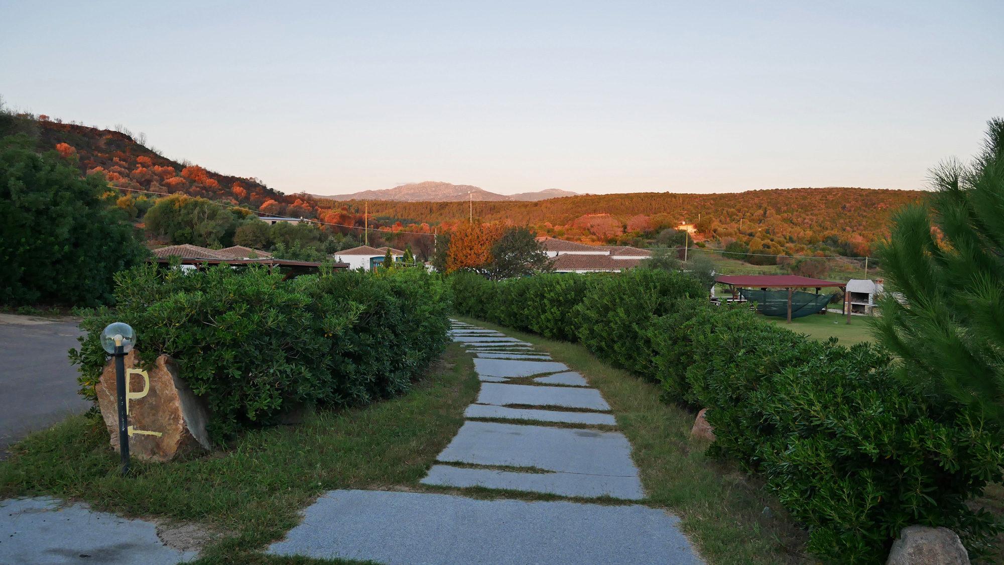 Blick über das Resort Baia Cea