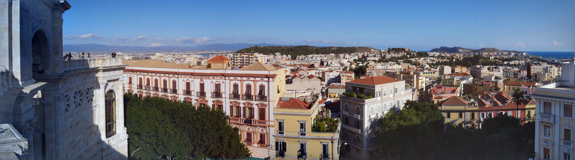 Über den Dächern von Cagliari