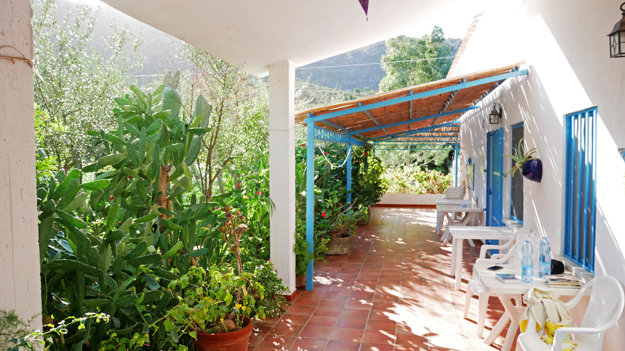 Unsere Terrasse auf dem Agriturismo Costa del Sud
