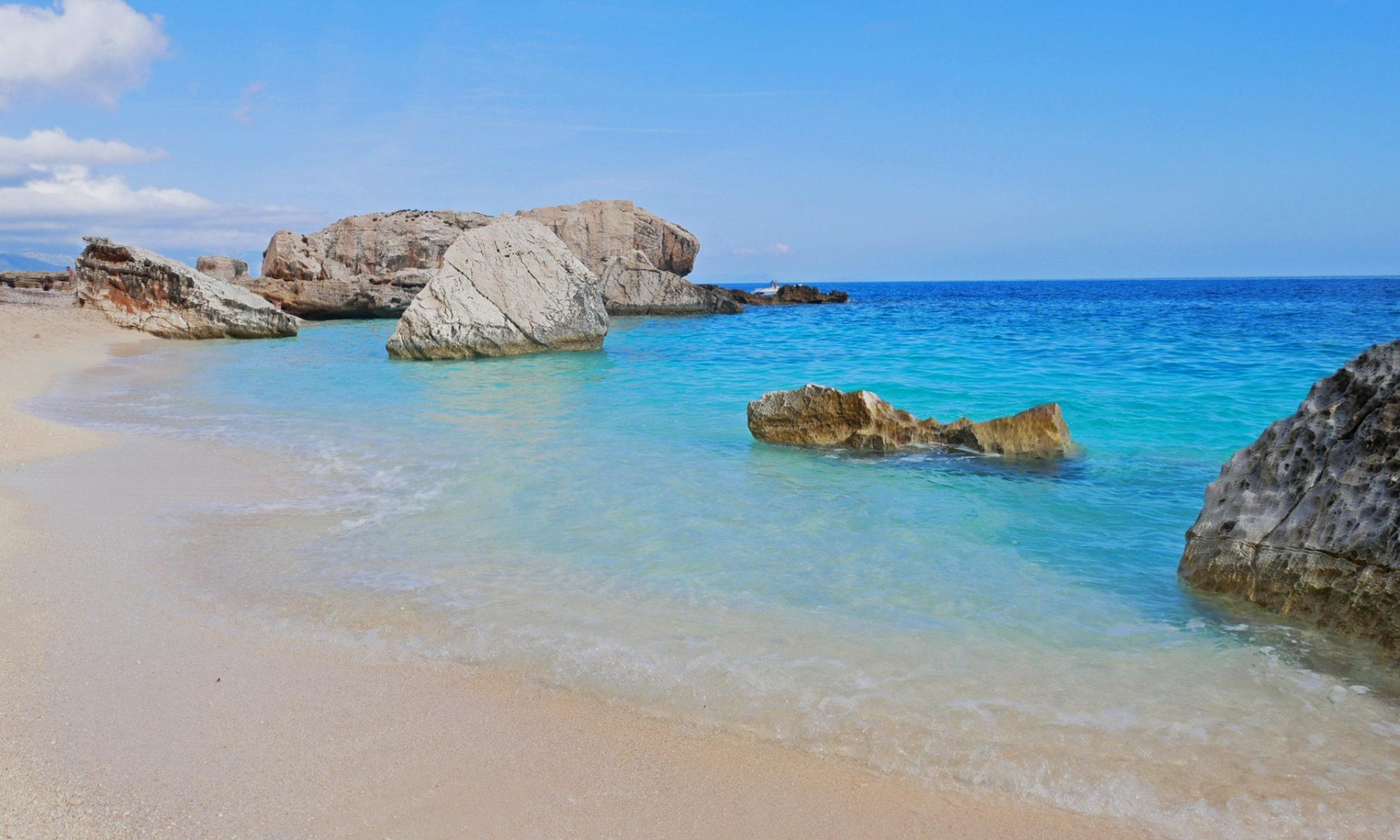 Cala Mariolu an der Küste der Baunei