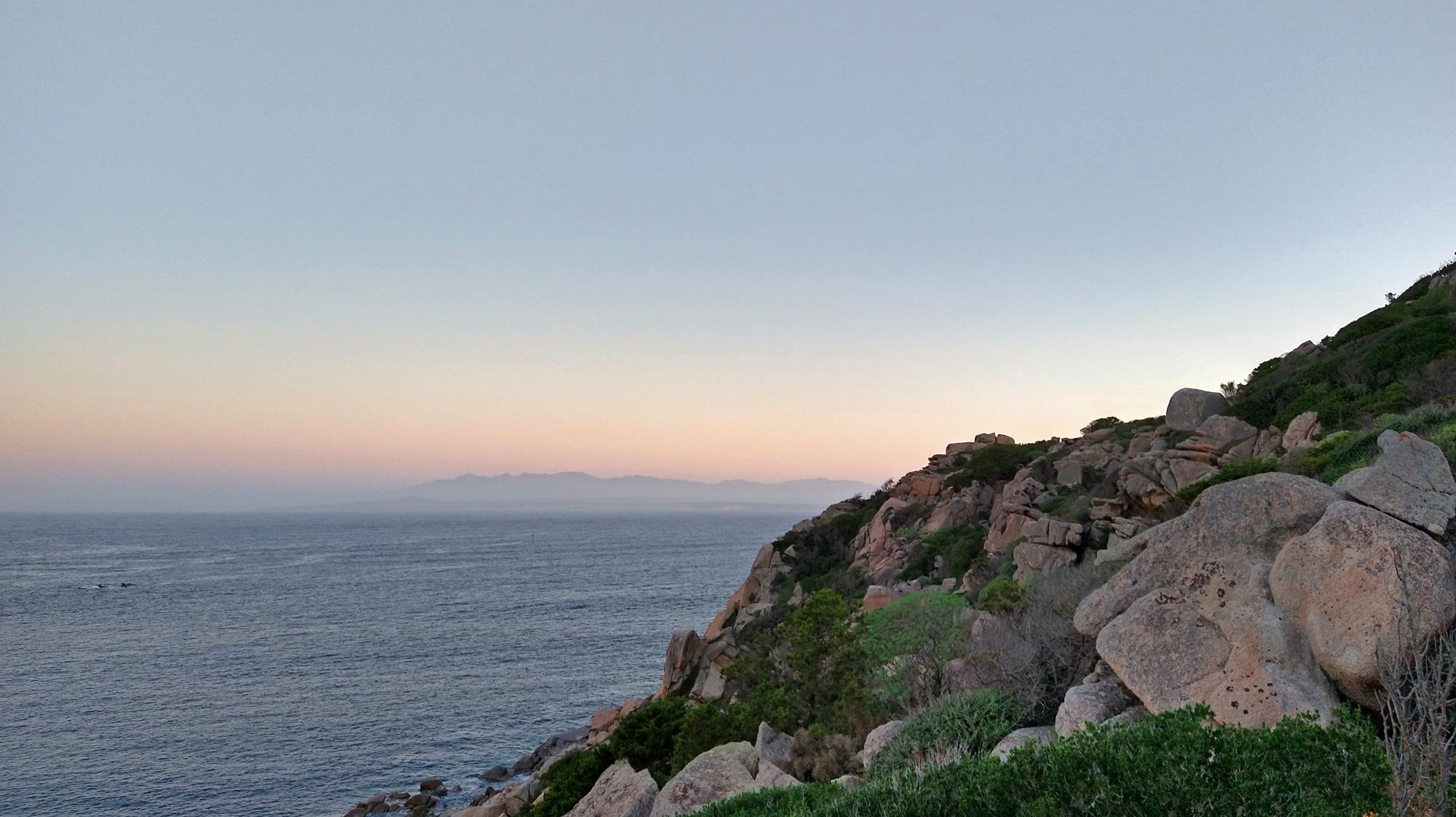 Nebliger Blick in Richtung Korsika