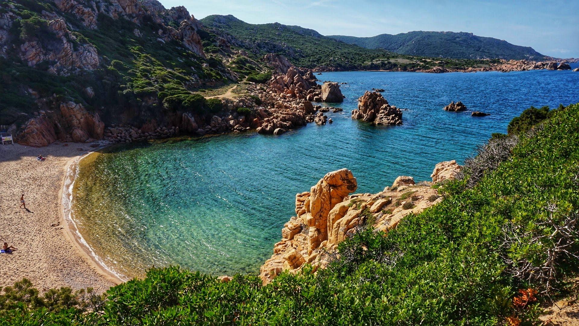 Blick in die Bucht Li Cossi an der Costa Paradiso